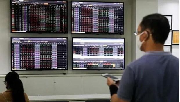 VN-Index vuot 1.350 diem tai phien quy ETF hoan thanh co cau danh muc hinh anh 1