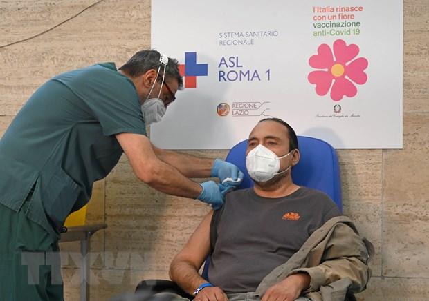 Anh-Han trao doi hon 1 trieu lieu vaccine, Italy se tiem mui thu 3 hinh anh 2