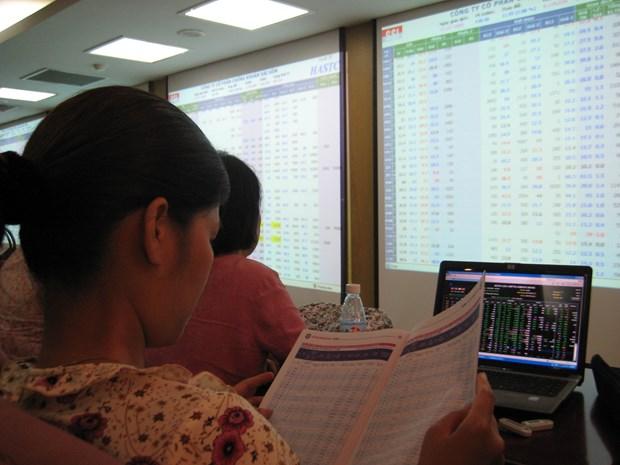 Dong tien gan 12.000 ty dong khong luc keo VN-Index ra khoi sac do hinh anh 1