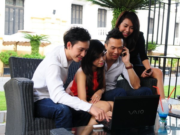 "Muoi su kien cong nghe 2013: ""Nong"" chuyen tang cuoc 3G hinh anh 1"