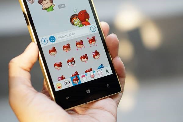 Tang them Lumia 930 Gold cho nguoi doat giai nhat Rap News Contest hinh anh 1
