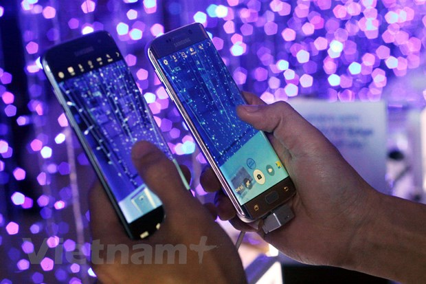 Hang nghin nguoi dat mua Galaxy S7, S7 Edge tai Thegioididong hinh anh 3