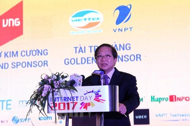 Bo truong Truong Minh Tuan: Cac nganh nghe deu phai ket noi so hinh anh 1