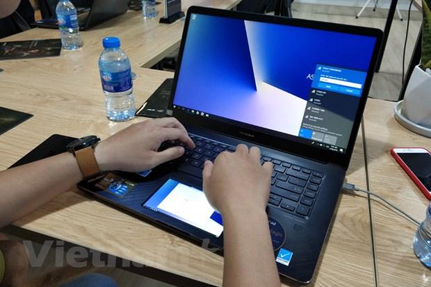 Can canh laptop ZenBook Pro, gia cao 'ngat nguong' cua ASUS hinh anh 2
