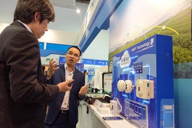 CEO Pham Duc Long: VNPT day manh chuyen doi so trong nam 2019 hinh anh 3