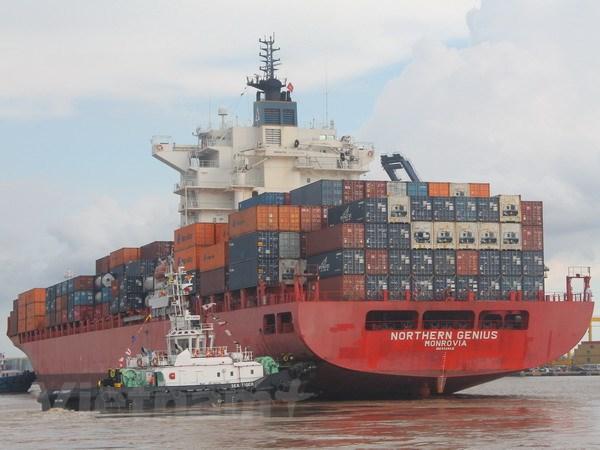 Tau 54.000 DWT cap Cang container Sai Gon qua luong Soai Rap hinh anh 1