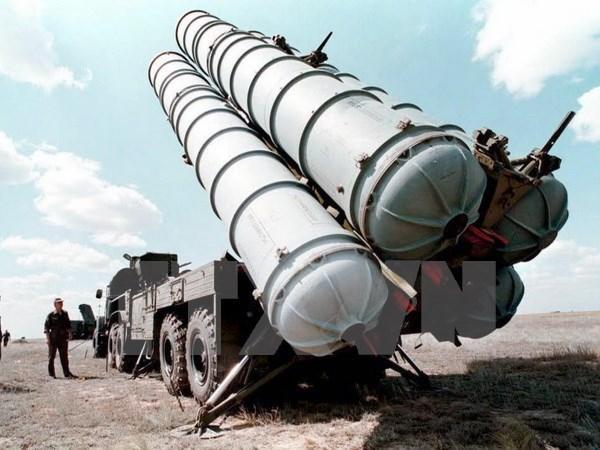 Iran tiet lo thoi diem tiep nhan he thong ten lua S-300 cua Nga hinh anh 1