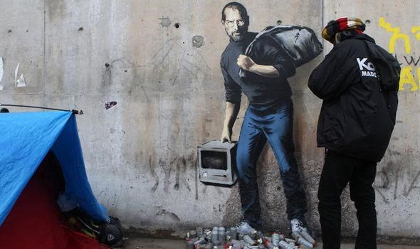 Nguoi ti nan o Calais thu phi 20 euro xem tranh ve Steve Jobs hinh anh 1