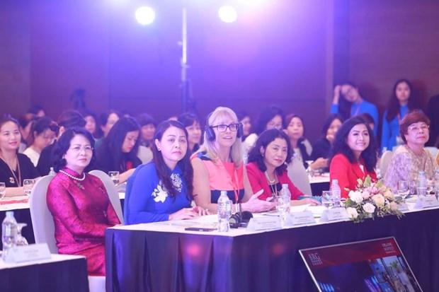Tran Uyen Phuong truyen cam hung o talkshow ve nu doanh nhan hinh anh 1
