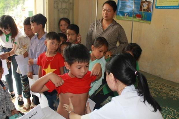 Kham va tu van dinh duong cho hon 500 tre vung cao o Tuyen Quang hinh anh 1