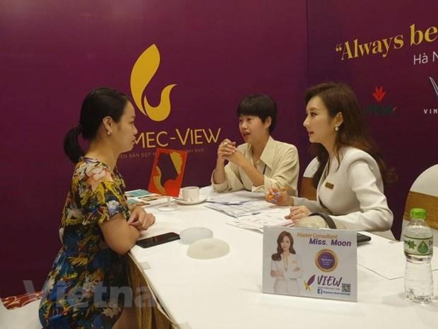 Chuyen gia lam dep noi tieng Han Quoc tu van tham my cho phu nu Viet hinh anh 1