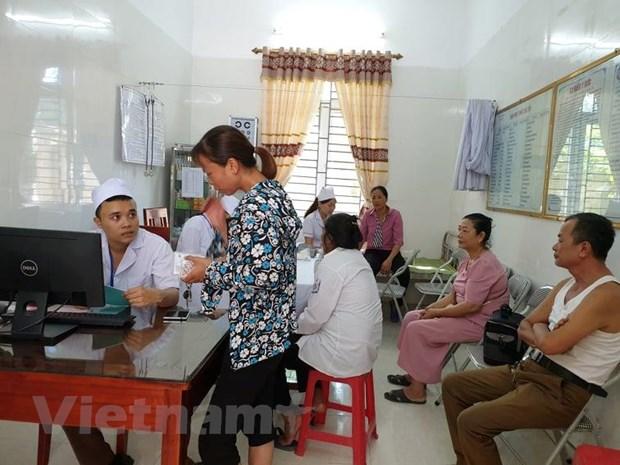 Tram y te xa: Co so vat chat mang tinh hinh thuc, may moc gay lang phi hinh anh 4
