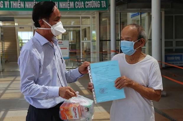Cu ong 90 tuoi o Quang Nam duoc cong bo khoi benh COVID-19 hinh anh 1