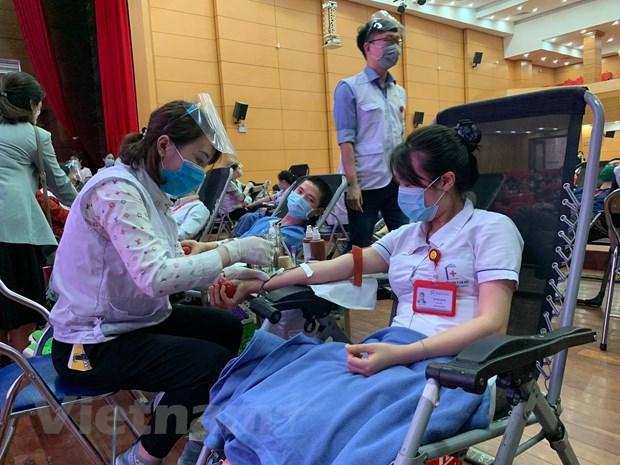 Vien Huyet hoc: Van con thieu khoang hon 20.000 don vi mau du tru hinh anh 1