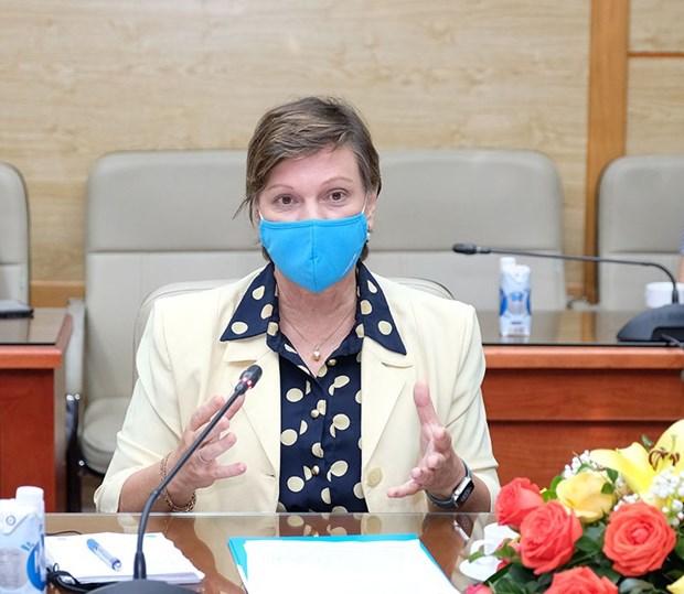 UNICEF cam ket ho tro thuc day de nhanh chong co vaccine ve Viet Nam hinh anh 2