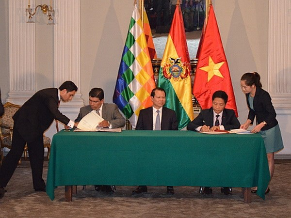 Bolivia danh gia cao cong cuoc phat trien dat nuoc cua Viet Nam hinh anh 1