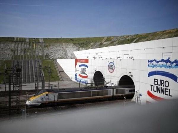 Anh cam hang Eurotunnel cung cap dich vu pha toi Phap hinh anh 1