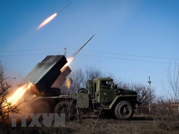 120 cuoc tan cong trong vong 24 gio qua tai mien Dong Ukraine hinh anh 1