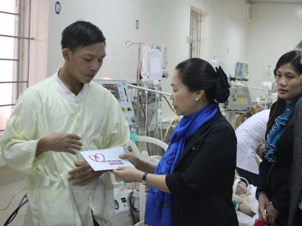 Quang Binh: Tham hoi, ho tro gia dinh nan nhan vu sap gian giao hinh anh 1