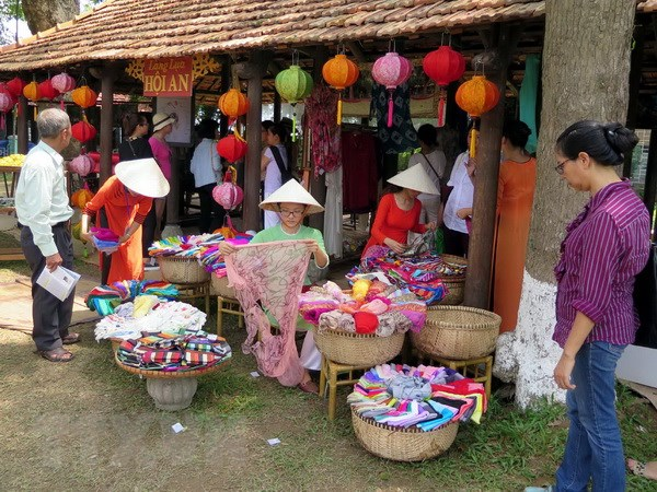 Han Quoc, Nhat Ban gop sac mau an tuong tai Festival Nghe hinh anh 1