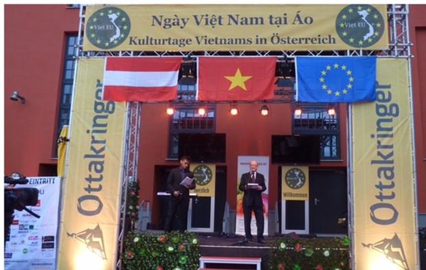 Ngay Viet Nam tai Ao: Tang cuong giao luu kieu bao va ban be quoc te hinh anh 2