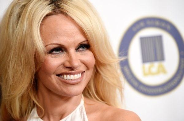 Pamela Anderson se la nguoi mau khoa than cuoi cung cua Playboy hinh anh 1