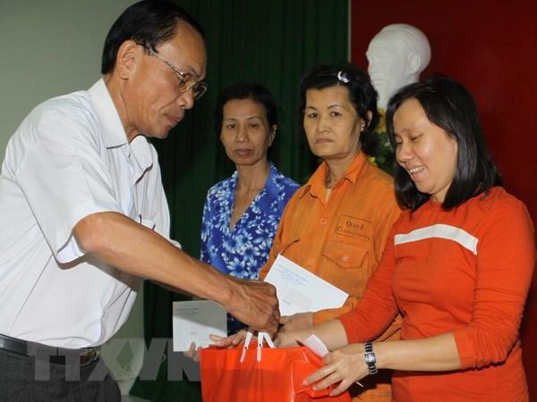 Bo truong Pham Thi Hai Chuyen: Nen thuong Tet bang tien mat hinh anh 1