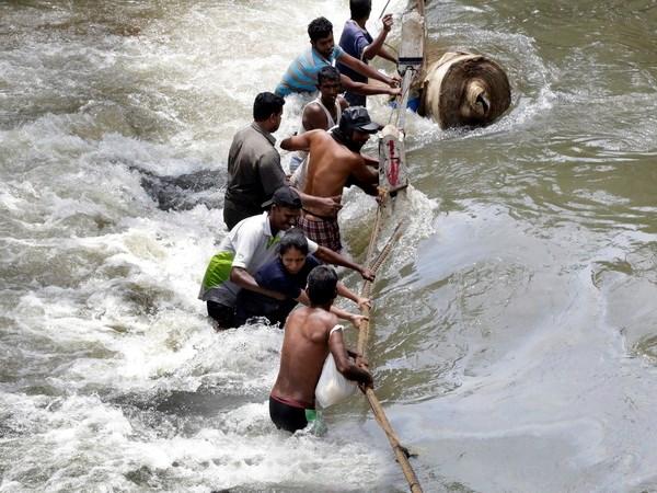 Bao Roanu can quet Sri Lanka, hang tram nguoi chet va mat tich hinh anh 1