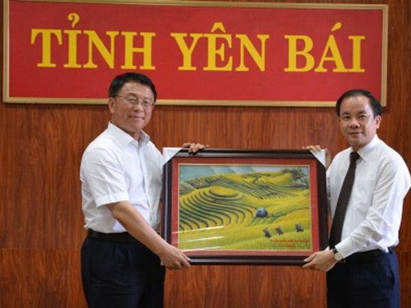 Viet Nam-Trung Quoc hop tac thuc day kinh te vung dan toc thieu so hinh anh 1