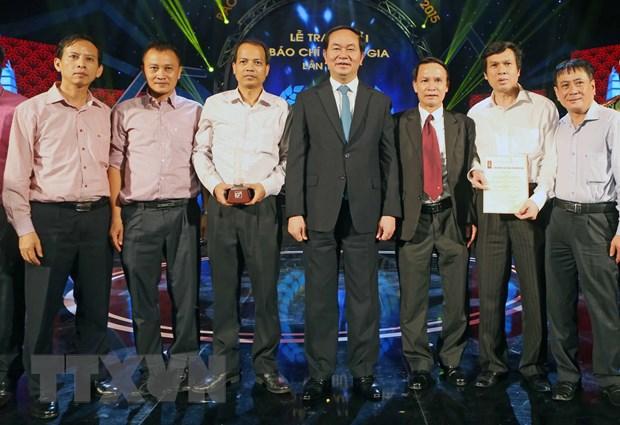 Chu tich nuoc: Nha bao khong duoc uon cong ngoi but truoc cam do hinh anh 3