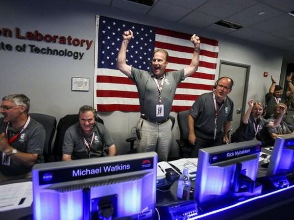 Tau Juno tien vao quy dao Sao Moc - Ky tich phi thuong cua NASA hinh anh 1