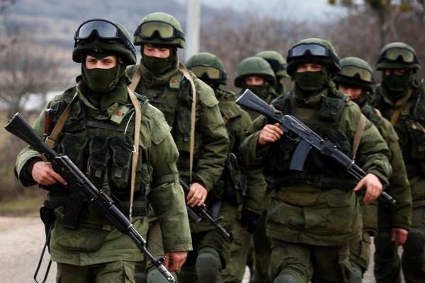 Nga bat ngo dieu dong linh du va thuy quan luc chien toi Crimea hinh anh 1