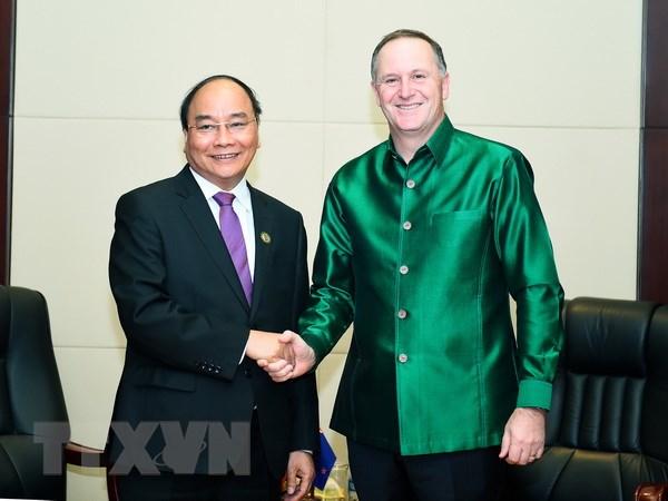Thu tuong Nguyen Xuan Phuc hoi kien Thu tuong Nhat Ban va New Zealand hinh anh 2