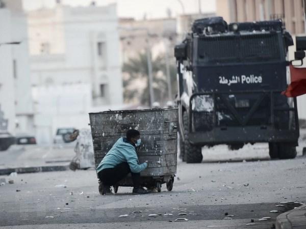Danh bom khung bo tren dai lo chinh o ngoai o thu do Bahrain hinh anh 1