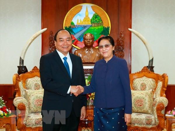 Thu tuong Nguyen Xuan Phuc gap go lanh dao Dang, Nha nuoc Lao hinh anh 1