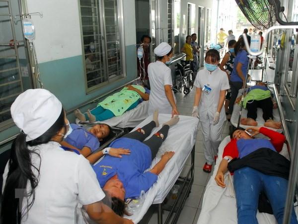 Lam Dong: Gan 30 du khach Myanmar nhap vien nghi ngo doc thuc pham hinh anh 1