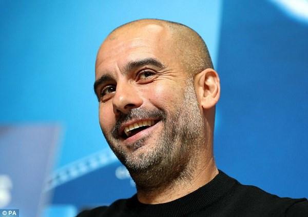 Man City cham tran Napoli: Ngay Pep Guardiola doi dau Maurizio Sarri hinh anh 1