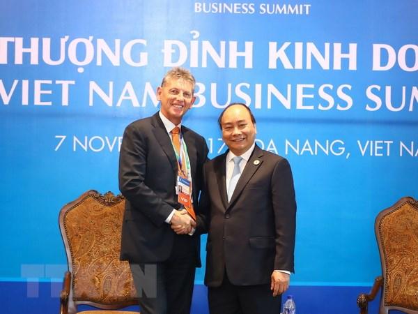 Thu tuong Nguyen Xuan Phuc tiep cac doan doanh nghiep du APEC hinh anh 3