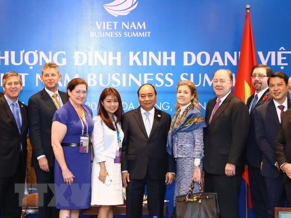 Thu tuong Nguyen Xuan Phuc tiep cac doan doanh nghiep du APEC hinh anh 2