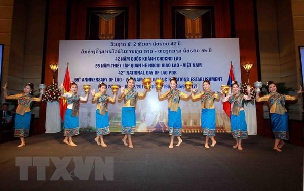 Quan he dac biet Viet Nam-Lao: Tam guong mau muc, trong sang hinh anh 1