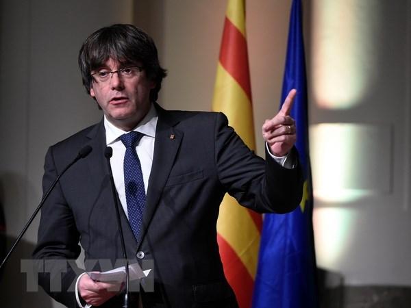 Tay Ban Nha khoi dong chien dich tranh cu dia phuong tai Catalonia hinh anh 1