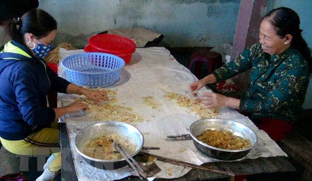 Quang Tri: Lang nghe mut gung My Chanh bat dau vao vu Tet hinh anh 2