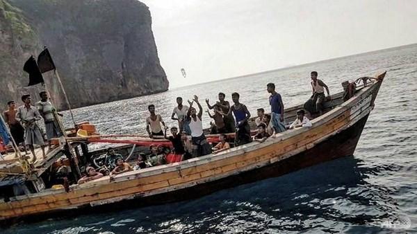 Myanmar: 70 nguoi Rohingya vuot bien huong den Malaysia hinh anh 1