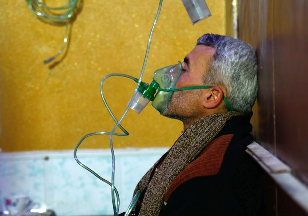 Syria: Cac nhan chung khang dinh video ve vu khi hoa hoc la gia mao hinh anh 1
