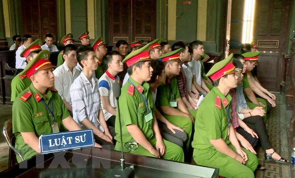 Tuyen y an so tham doi voi 14 bi cao dat bom san bay Tan Son Nhat hinh anh 1
