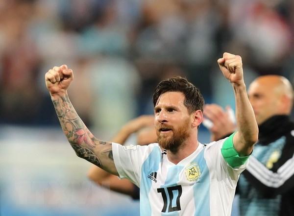 Lionel Messi da chinh thuc ''no sung,'' tao cot moc thanh tich moi hinh anh 1
