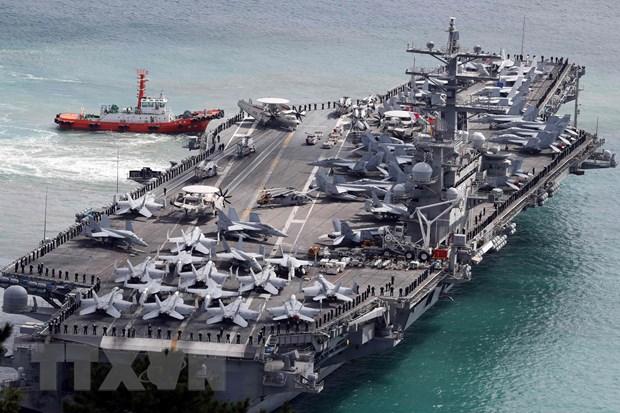 My dua tau san bay USS Ronald Reagan toi Bien Dong tuan tra hinh anh 1