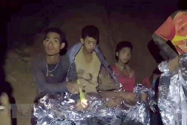 Giai phap lan chua phu hop de giai cuu doi bong thieu nien Thai Lan hinh anh 1