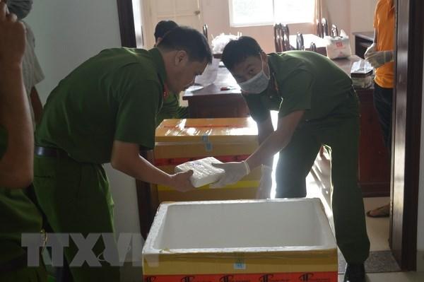 Khoi to vu van chuyen 100 banh cocain trong container phe lieu hinh anh 1