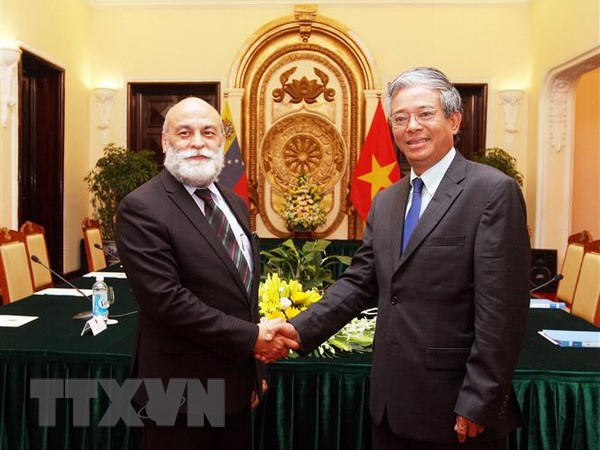 Tham khao chinh tri cap Thu truong Ngoai giao Viet Nam-Venezuela lan 7 hinh anh 1